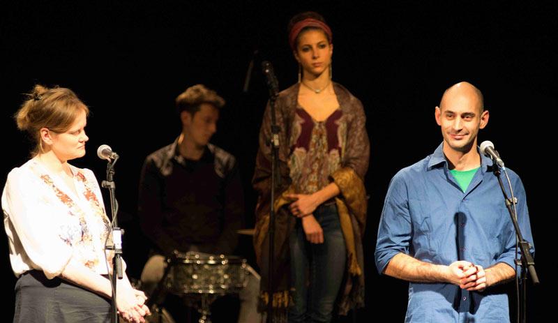 Asyl-Monologe-–-ein-Schauspiel-über-Flucht-–-Foto-Theater-fuer-Menschenrechte